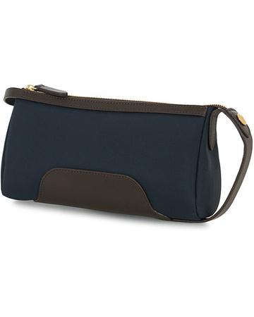 Mismo Taschen von . Grösse: One size. Farbe: Blau.  M/S Prime Nylon Small Washbag Navy/Dark Brown Herren