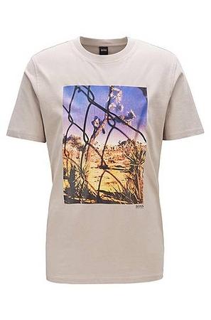 Hugo Boss T-Shirt aus gewaschener Baumwolle mit Foto-Print und Rundhalsausschnitt braun