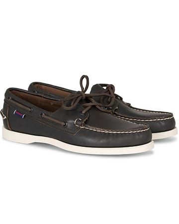 Sebago Segelschuhe von . Grösse: US7 - EU40. Farbe: Braun.  Docksides Boat Shoe Dark Brown Herren grau